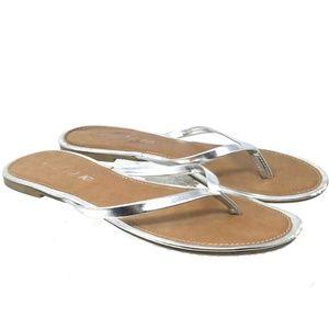 American Eagle Women Sandals Sz 8 Silver Flip Flop
